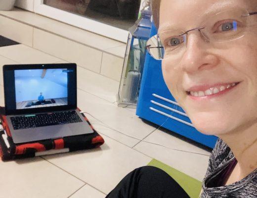 Pandemie bedingtes Online Videotraining im Yoga