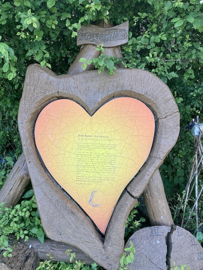 Tableau auf dem Herzweg des Friedens Bergedorf